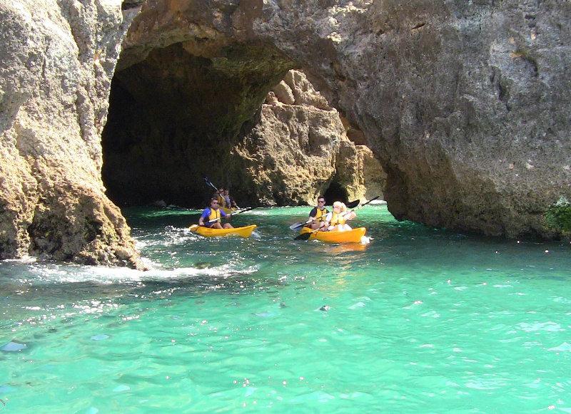 Kayak Explorer