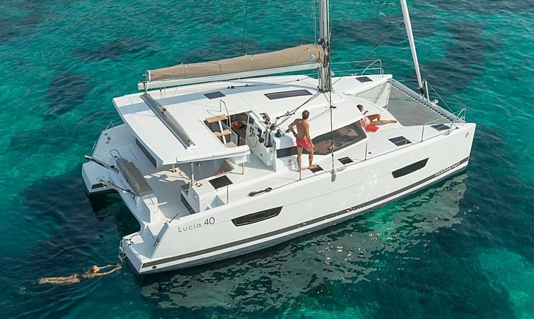Private sailing catamaran in Portimão - half-day