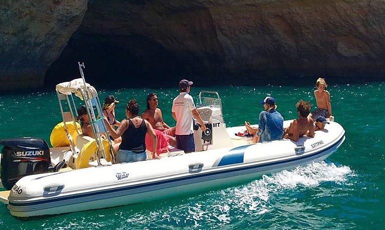Motorboat rental in Portimão - half-day