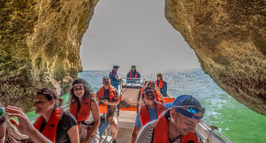 Discover the Benagil cave on a boat tour