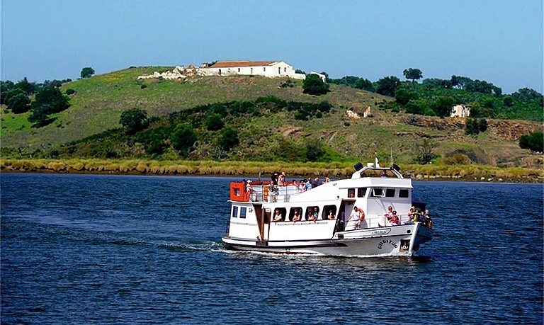Full-day boat tour on Guadiana River with lunch