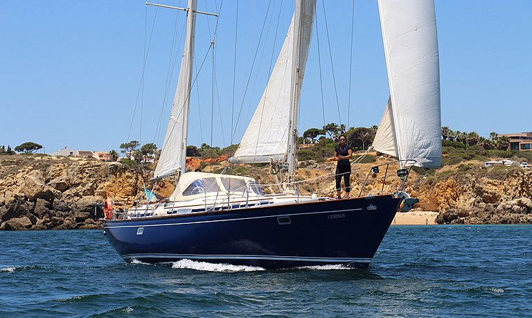 Full day private sailing in Albufeira